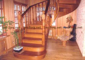 Лестница из Лиственницы на гнутых косоурах