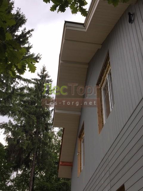Для отдели фасада дома и гаража была применена Имитация бруса Сосна ,размер 145х21х4000 сорта «Натур».